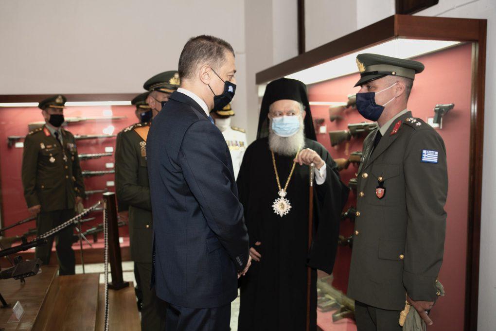 Παρουσία ΥΦΕΘΑ Αλκιβιάδη Στεφανή στον Εορτασμό του Αγίου Γεωργίου στη Σχολή Πεζικού